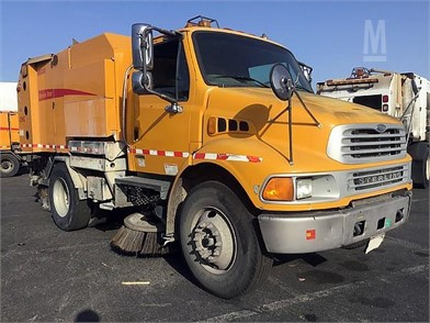 STERLING Sweeper Trucks Auction Results - 39 Listings | MarketBook