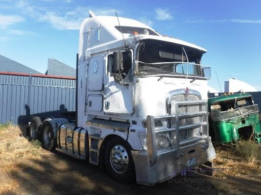 2011 Kenworth K200 Wrecking for Sale