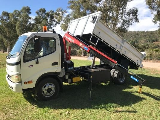 2005 Hino 300 Series - Trucks for Sale