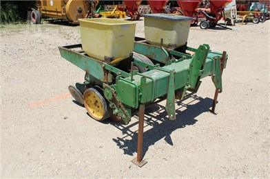 JOHN DEERE PLANTER-WHEEL MTD   Other Auction Results - 1