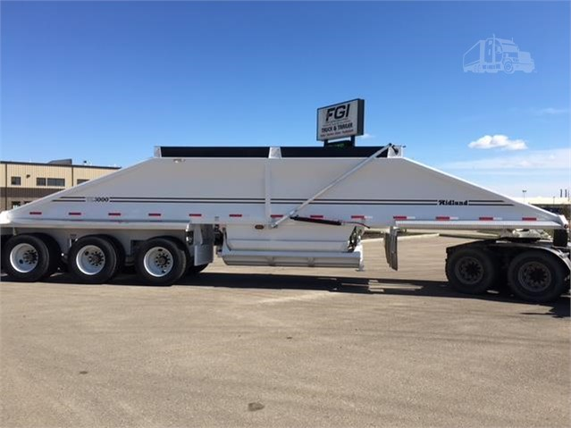 Red Deer Dump >> 2018 Midland Tc3000 Belly Dump Clamshell For Sale In Red Deer Alberta Canada