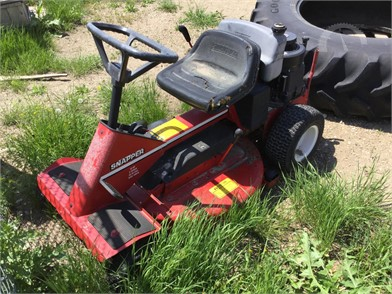 SNAPPER Riding Lawn Mowers Auction Results - 8 Listings