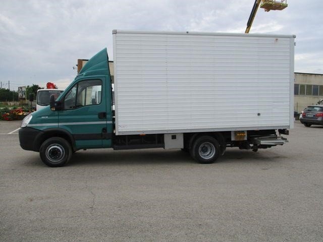 Iveco DAILY 35S18 Usagé