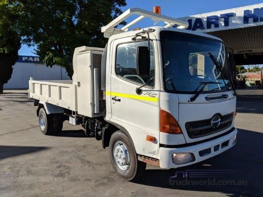 2005 Hino FC Trucks for Sale