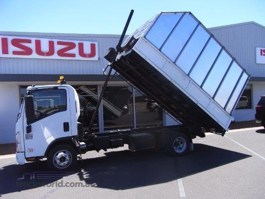 2010 Isuzu NPR 300 South West Isuzu - Trucks for Sale