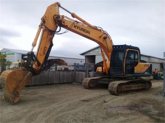 2011 Hyundai Robex 210 LC-9 - Truckworld.com.au - Heavy Machinery for Sale