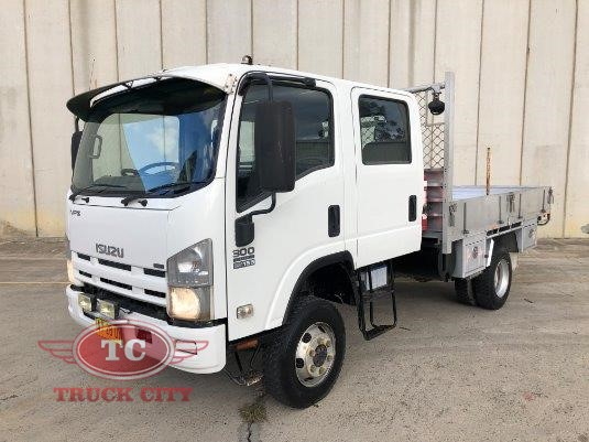 2008 Isuzu NPS 300 4x4 Crew Truck City - Trucks for Sale