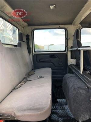 2008 Isuzu NPS 300 4x4 Crew Truck City - Trucks for Sale