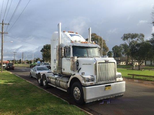 2011 Western Star 4864 - Trucks for Sale
