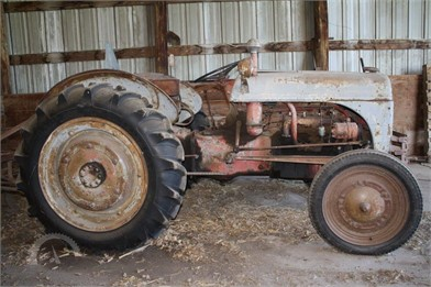 Less Than 40 HP Tractors Online Auction Results - July 18