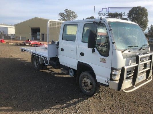 2005 Isuzu NPR 400 Crew Cab Taig Bros  - Trucks for Sale