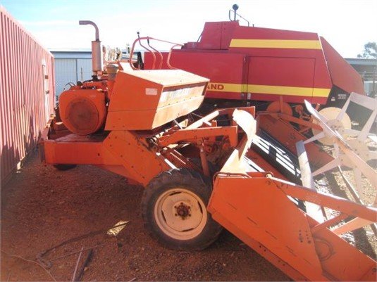 0 J I Case 955 - Farm Machinery for Sale