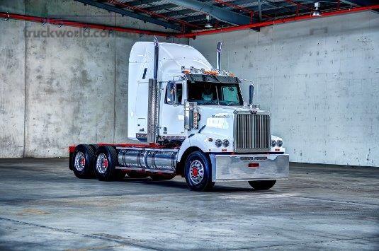 2018 Western Star 4864FXB - Trucks for Sale
