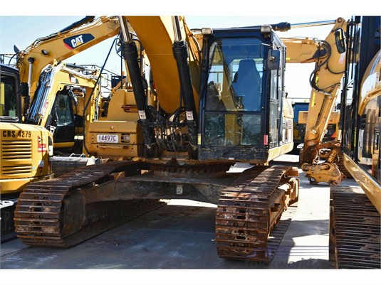 2013 Caterpillar 329DL Heavy Machinery for Sale