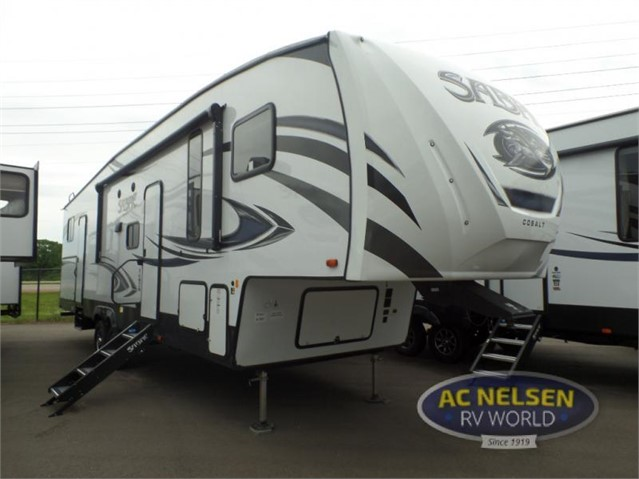 2019 FOREST RIVER SABRE 31BHT For Sale In Shakopee, Minnesota
