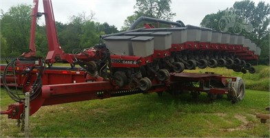 Farm Equipment For Sale By Farmers' Implement - Allenton - 86