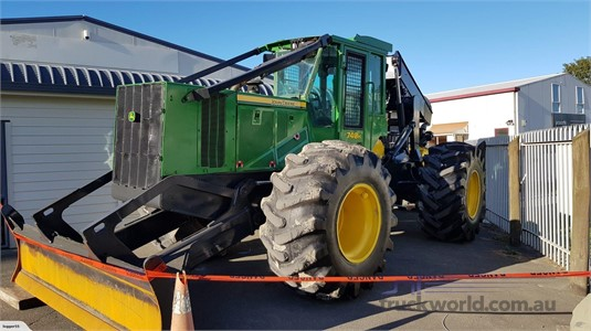 2013 Deere 748H - Heavy Machinery for Sale