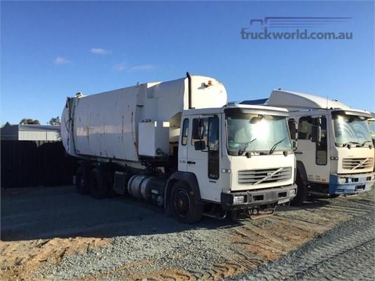 2004 Volvo FL250 - Trucks for Sale
