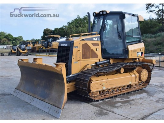 Caterpillar D2 Dozers - Tracked heavy machinery for sale