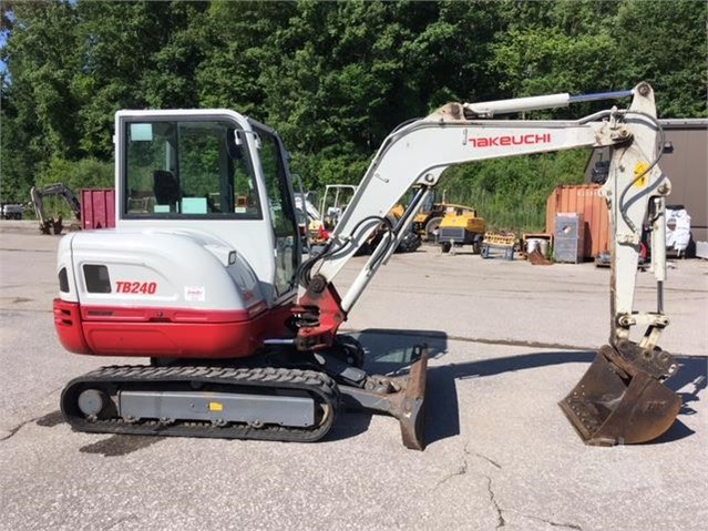 2015 TAKEUCHI TB240 For Sale In Independence, Ohio | www
