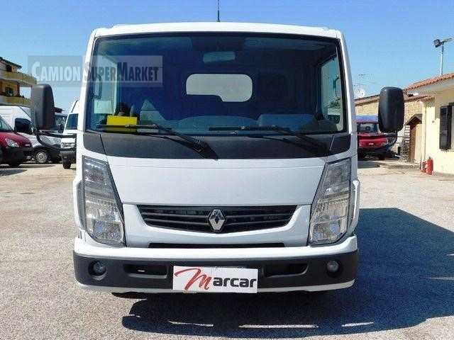 Renault MAXITY 120.35 used 2010