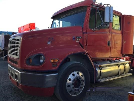 1996 Freightliner FL112 - Wrecking for Sale