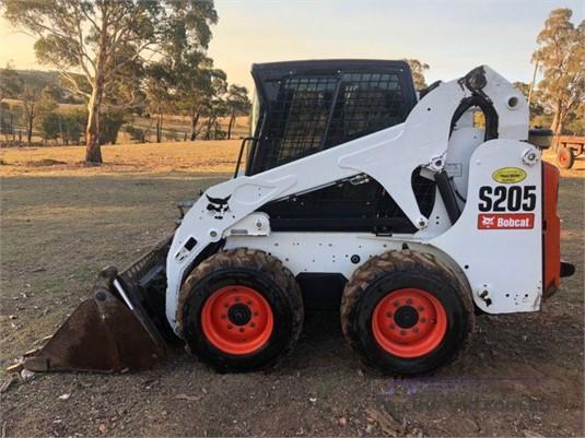 Bobcat S205 Skid Steers - Wheeled
