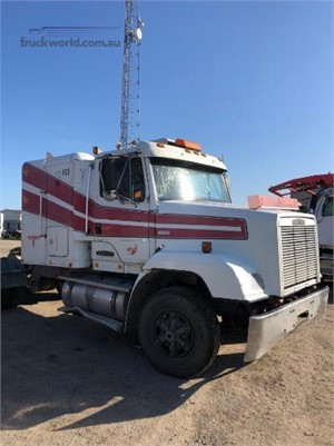 1994 Freightliner FLC112 - Wrecking for Sale