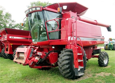 Farm Equipment For Sale By Vetter Equipment - Indianola - 35