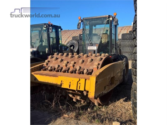 2011 Caterpillar CS76 Heavy Machinery for Sale