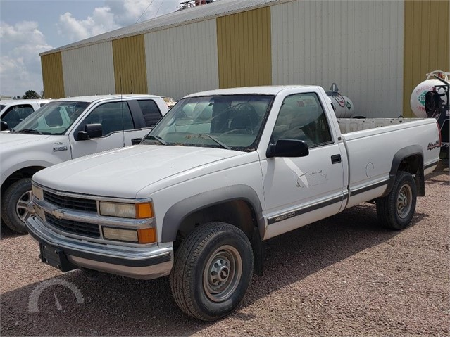 Lot 3294 1998 Chevrolet K2500