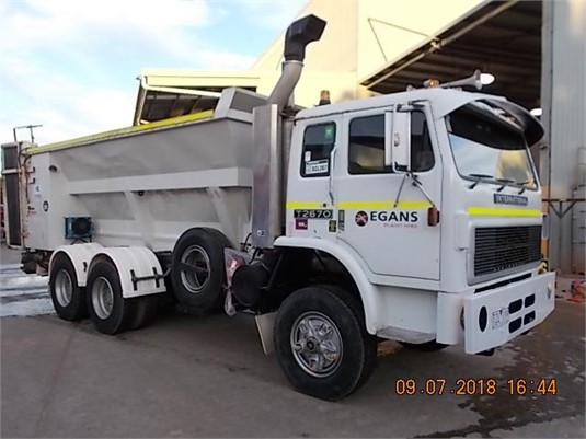 1980 International Acco T2670 - Trucks for Sale