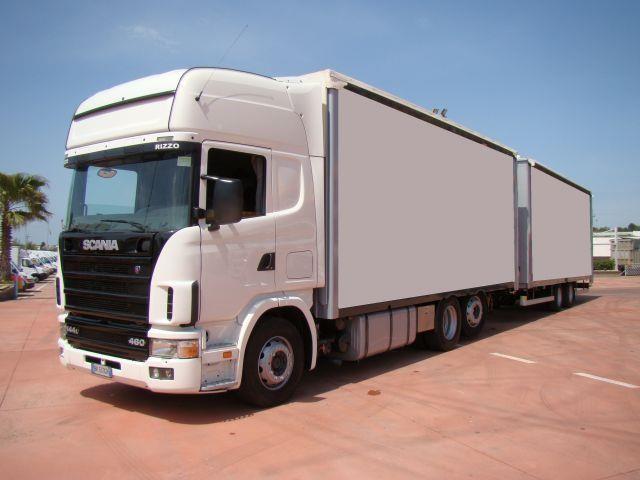 Scania P144L460 Usato