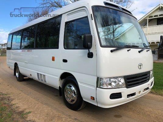 af3d90c315 2007 Toyota Coaster Bus Midi Coach bus for sale Australian Auto ...
