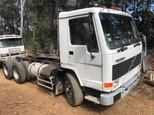 1993 Volvo FL7 - Wrecking for Sale