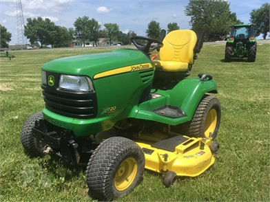 JOHN DEERE X720 For Sale - 86 Listings | TractorHouse com - Page 1 of 4