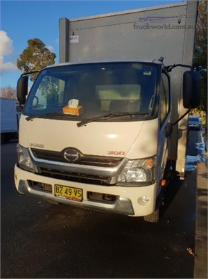 2014 Hino 300 Series 921 Medium Auto - Truckworld.com.au - Trucks for Sale