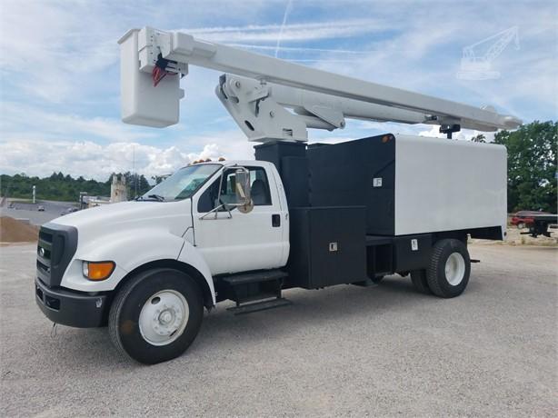 LIFT-ALL Bucket Trucks / Service Trucks For Sale - 17