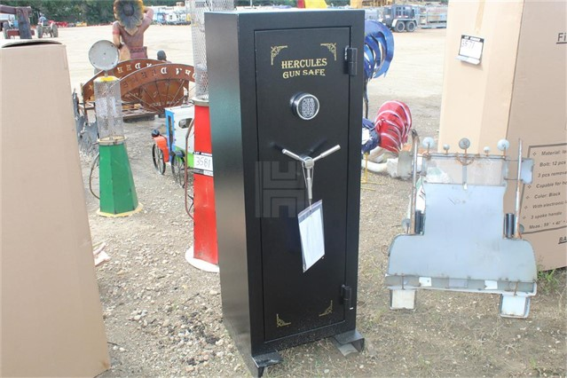 UNUSED HERCULES 14 GUN FIRE PROOF SAFE   For Sale In Livingston, Louisiana