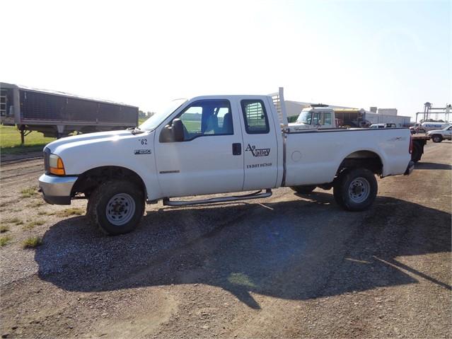 Lot 8346 1999 Ford F250 Xl