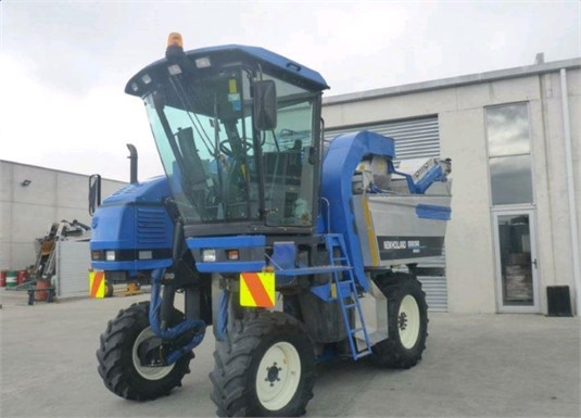 2002 New Holland SB58 - Farm Machinery for Sale