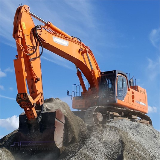 2014 Doosan DX700 LC Heavy Machinery for Sale