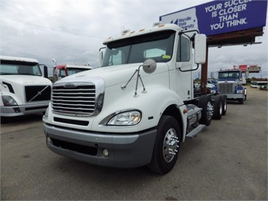FREIGHTLINER COLUMBIA 120 Heavy Duty Trucks Auction Results - 332