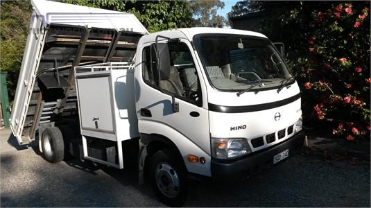 2004 Hino Dutro 5500 - Trucks for Sale