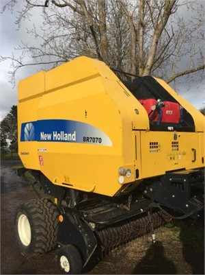 2014 New Holland BR7070 - Farm Machinery for Sale