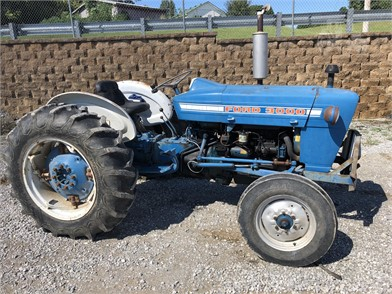 1960 ford industrial tractor