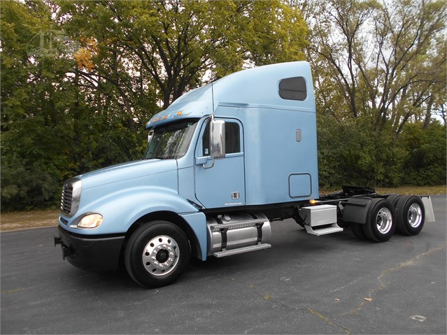2015 FREIGHTLINER COLUMBIA 120 For Sale In Alsip, Illinois