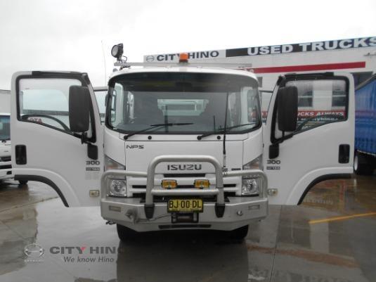 2010 Isuzu NPS300 City Hino - Trucks for Sale