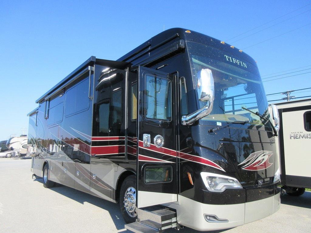2019 TIFFIN ALLEGRO BUS 40IP For Sale in Lincoln, Nebraska