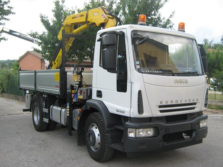 Iveco EUROCARGO 160E25 Usagé